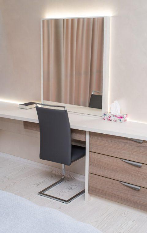 Стол s024